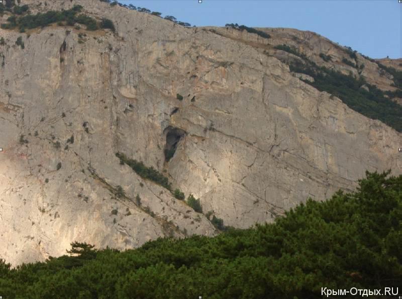 Мисхорские гроты и пещера